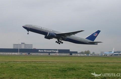 Boeing 777–200, autor: Denniss